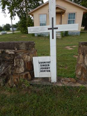Johnny Horton memorial - Milano TX