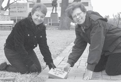 Geri Burnett & DeeDee Green at Milam County Tx Courthouse Memorial sidewalk